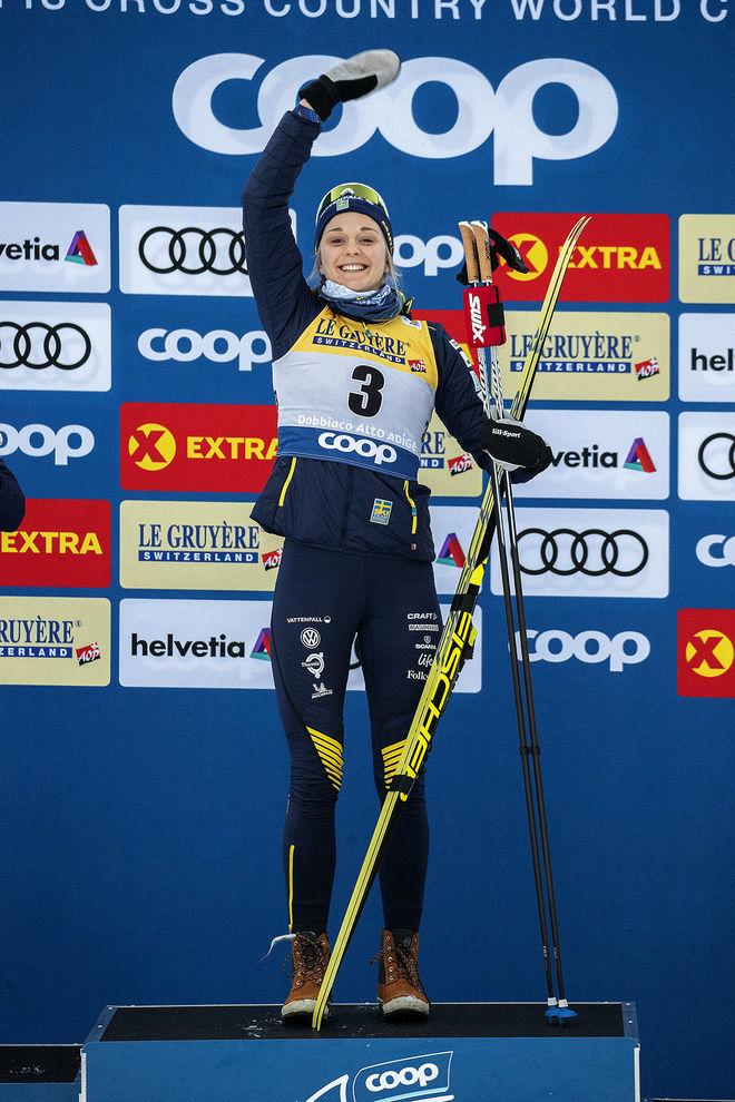 STINA NILSSON leder fortfarande sprintvärldscupen men är pressad av Maiken Caspersen Falla inför lördagens näst sista världscupsprint i Falun. Foto/rights: NORDIC FOCUS