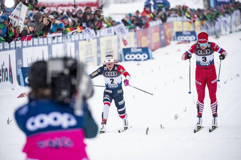 02.01.2019, Oberstdorf, Germany (GER):Ingvild Flugstad Oestberg (NOR), Natalia Nepryaeva (RUS), (l-r)  - FIS world cup cross-country, tour de ski, mass women, Oberstdorf (GER). www.nordicfocus.com. © Modica/NordicFocus. Every downloaded picture is fee-l