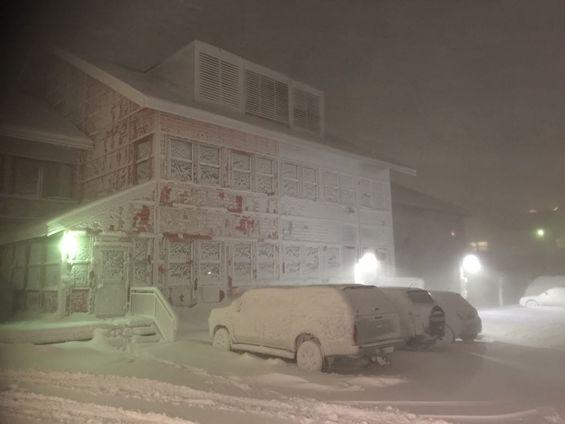 Snøvær i Longyearbyen Foto: Roger Zahl Ødegård