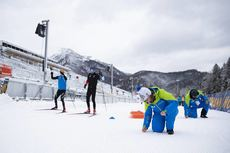 15.01.2019, Ruhpolding, Germany (GER):Event Feature: undefined skiers compete on the track while volunteers prepare the track for the world cup -  IBU world cup biathlon, training, Ruhpolding (GER). www.nordicfocus.com. © Manzoni/NordicFocus. Every down