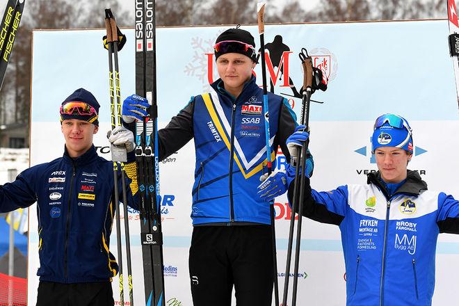 MATTIAS ANDERSSON, Domnarvet (mitten) vann H16-sprinten på USM i Falköping före Ludvig Berg, Granbergsdal (tv) och Hjalmar Berg, Sunne. Foto/rights: ROLF ZETTERBERG/kekstock.com
