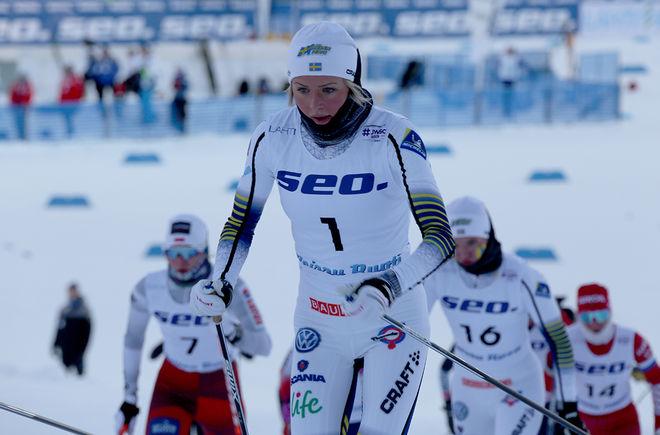 FRIDA KARLSSON är en av dom största stjärnorna i Toppidrettsveka i Norge, men hon fick – liksom flera andra åkare – problem då hjulen på rullskidorna gick sönder under tävlingen. Foto/rights: KJELL-ERIK KRISTIANSEN/kekstock.com