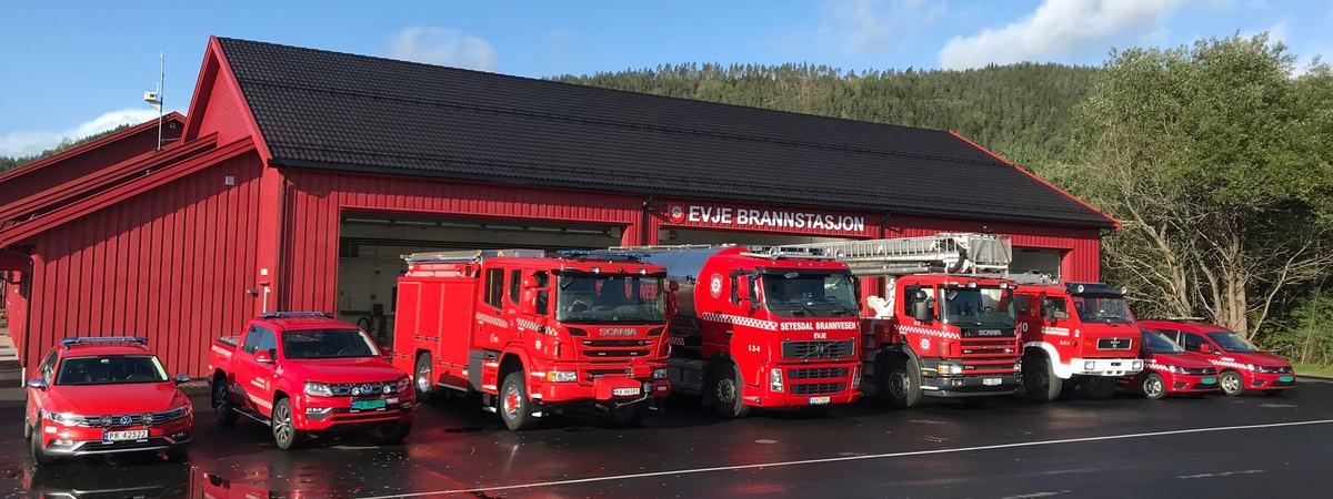 Brannbiler for Evje brannstasjon