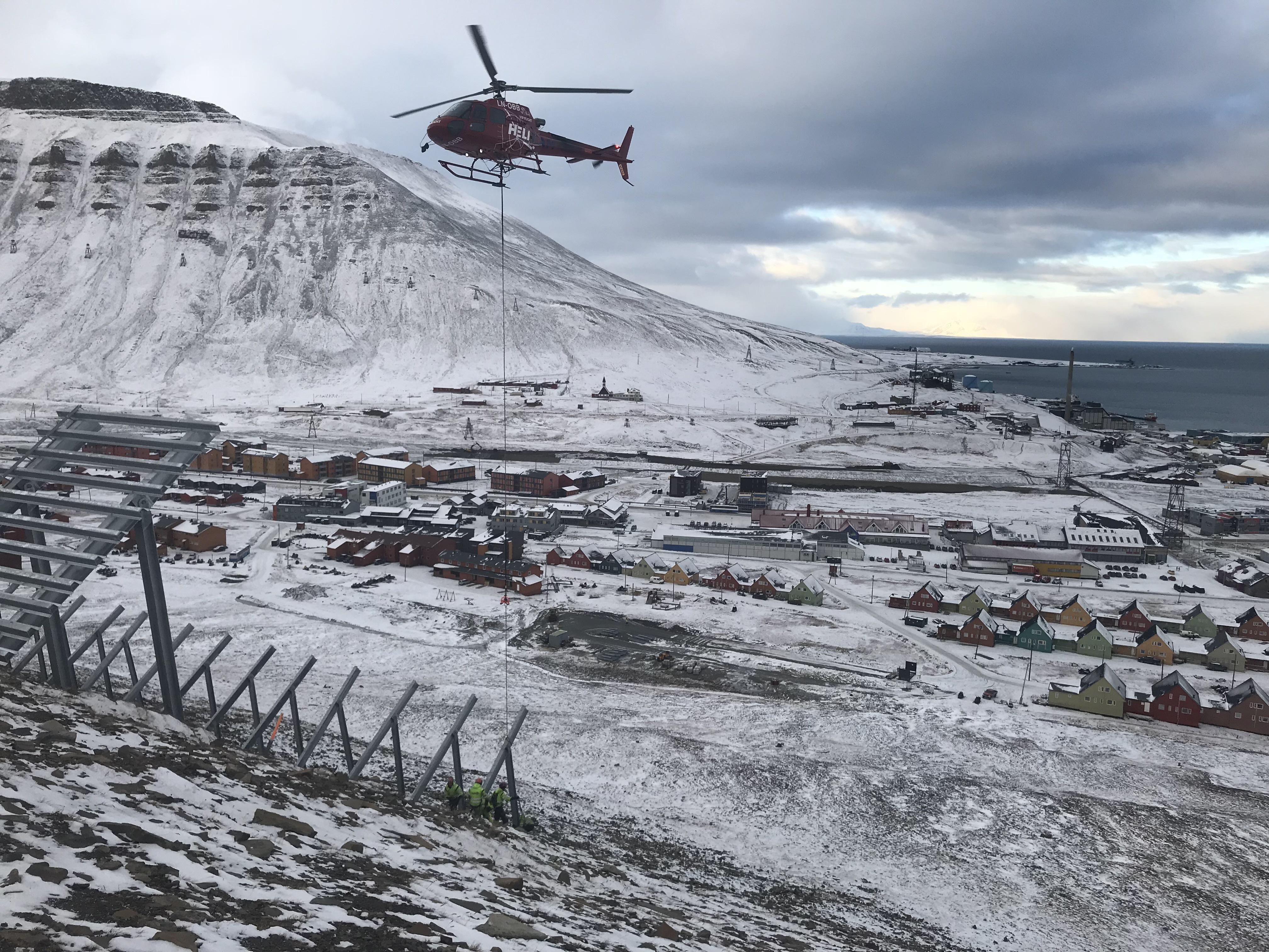 Helikopter, montering av støtteforbygninger