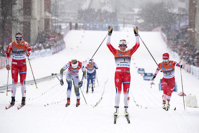 MAIKEN CASPERSEN FALLA jublar för seger igen i Drammen. Astrid Uhrenholdt Jacobsen (tv) blir tvåa medan Stina Nilsson blir fyra och Natalia Nepryaeva till höger blir trea. Foto/rights: NORDIC FOCUS
