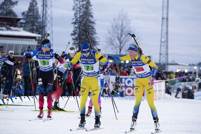 HANNA ÖBERG (th) och Sebastian Samuelsson åkte hem VM-brons i single mixed-stafetten. Sveriges andra medalj i hemma-VM i Östersund. Foto/rights: NORDIC FOCUS