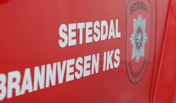"""Bil med skriften """"Setesdal brannvesen IKS"""""""
