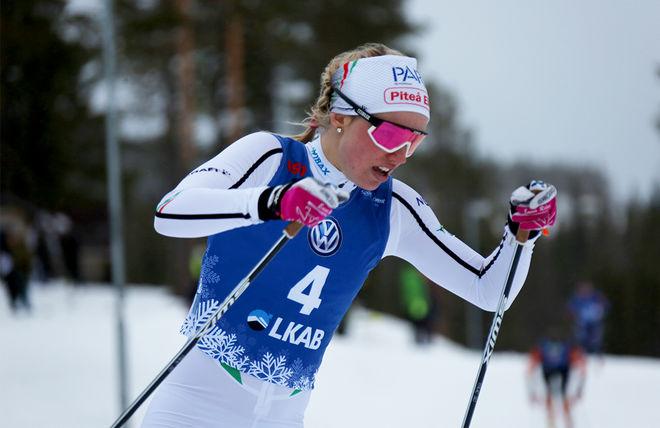 EMMA RIBOM på väg mot segern i damklassen efter en taktisk smart ändring inför finalen. Foto: FILIP DANIELSSON