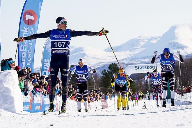 ÖVERRASKNINGEN Mikael Gunnulfsen (Team Telemark) vinner Reistadløpet före Johan Hoel, Erik Valnes, britten Andrew Musgrave, Petter Eliassen och Chris Jespersen. Foto: MAGNUS ÖSTH