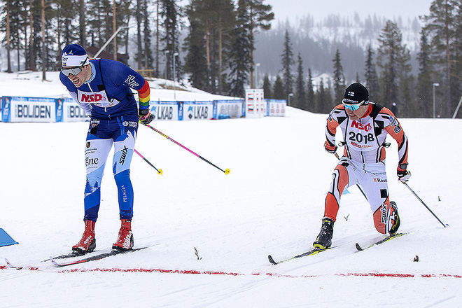 HÄR SPURTAR Klas Nilsson från Skellefteå (tv) in till seger i NSD Classic i Gällivare före Viktor Mäenpää från Finland. Foto: ARRANGÖREN