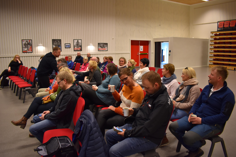 MOT-foredrag_skolen som samfunnsbygger_Tore hilser