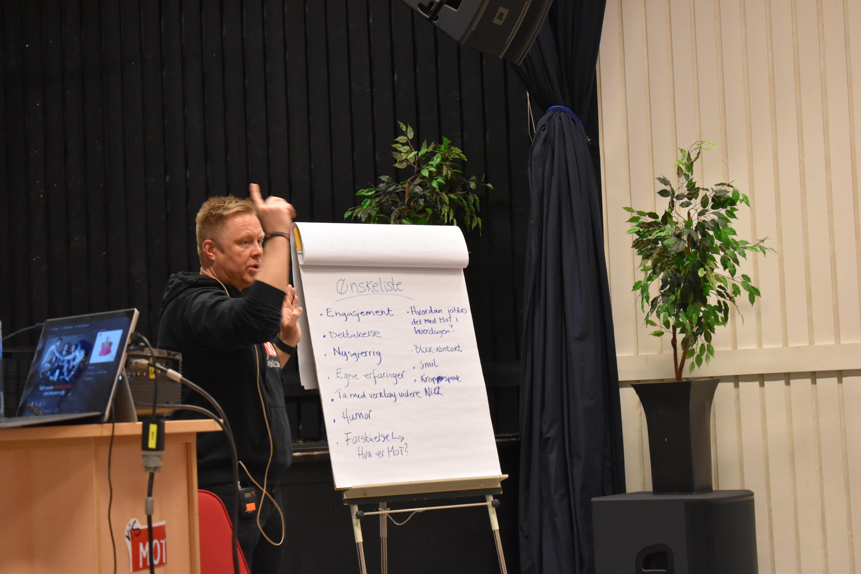MOT-foredrag_skolen som samfunnsbygger_ønskeliste