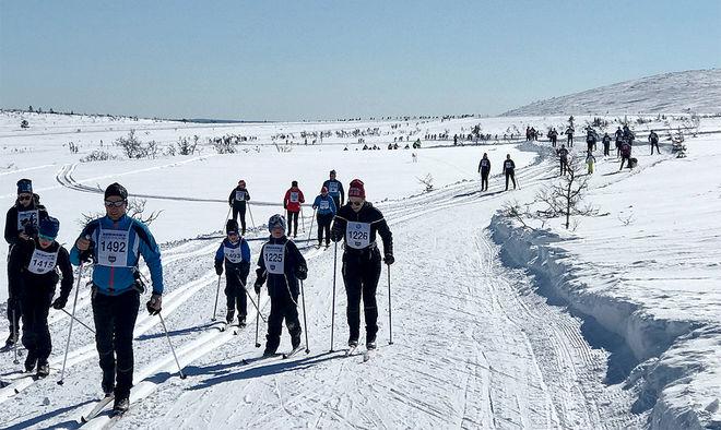 DRYGT 1800 deltagare inledde fjolårets långfredag med Åk en mil, vinn en bil.