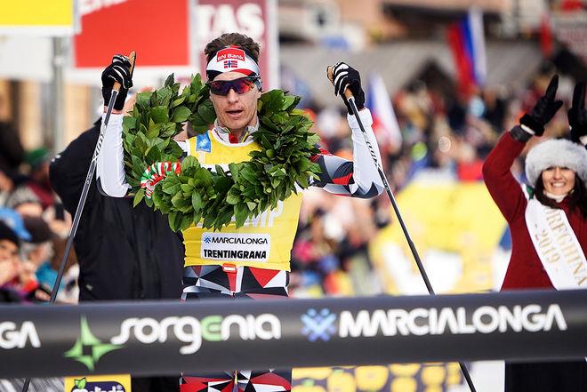 PETTER ELIASSEN vinner Marcialonga i vinter. Han vann totalt tre tävlingar i Visma Ski Classics. Nu går han till Team Ragde Eiendom, samma team som totalsegraren Andreas Nygaard. Foto: MAGNUS ÖSTH