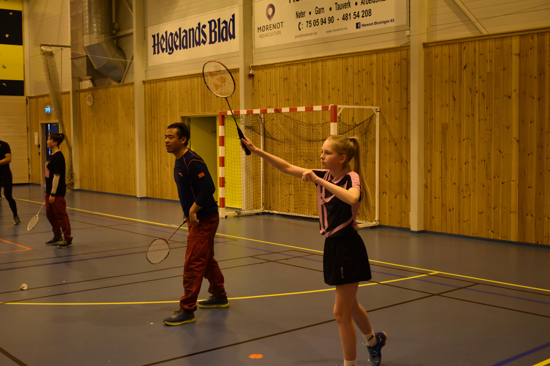 Besøk av det kinesiske rekrutteringslandslaget for langrenn_badminton2
