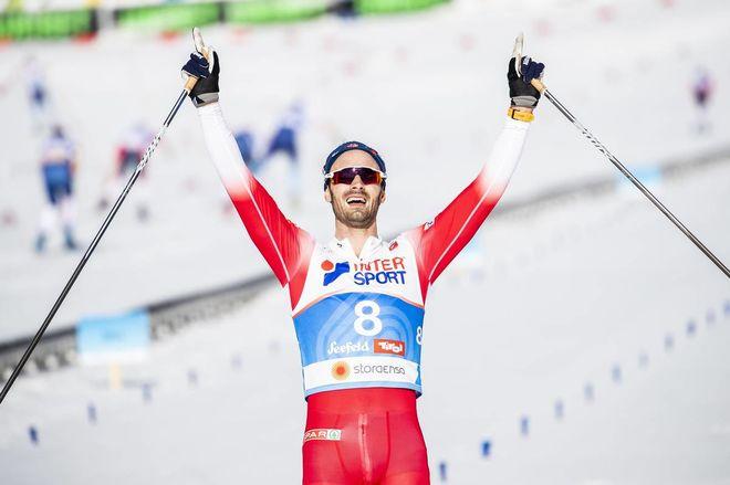 HANS CHRISTER HOLUND vinner femmilen på VM i Seefeld. Nu byter han också till Fischers skidor och pjäxor nästa säsong. Foto/rights: NORDIC FOCUS