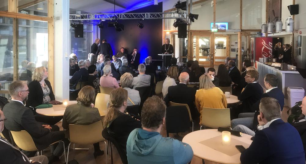 Deltakere på veterandagen i Namsos kulturhus