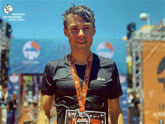 PETTER ENGDAHL imponerade igen i en tuff löptävling. Nu blev ÖSK-åkaren nummer 3 i ett lopp över 75 km på La Palma. Foto: MRSWS/ALBERT JORQUERA