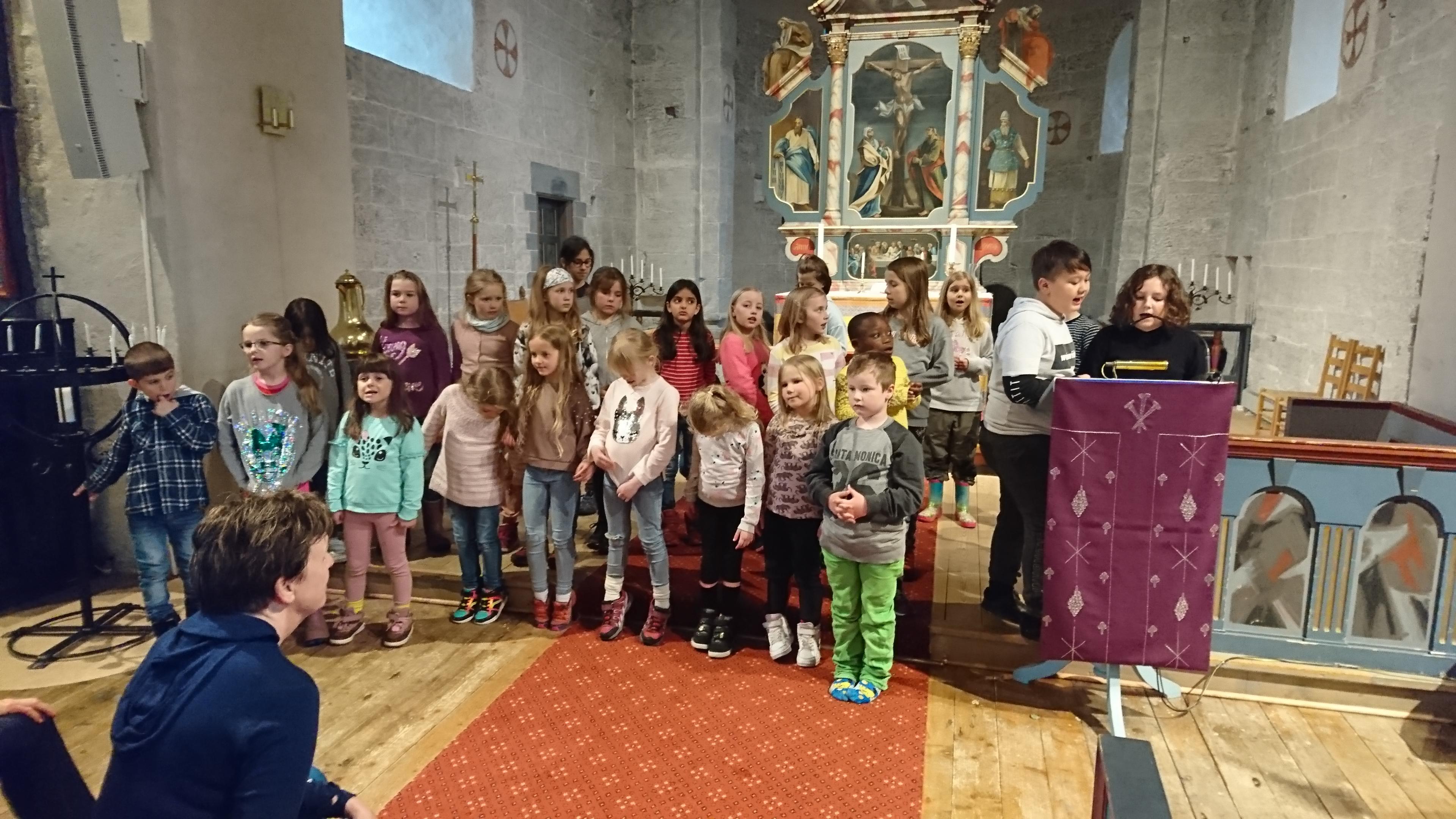 Barnekor i kirka