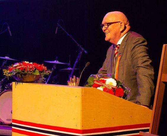 Ottar Svensen takker for Tyfusstatuetten 2019 Foto: Eva Grøndal