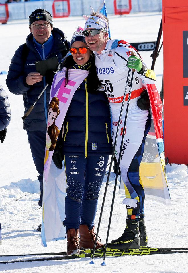 ANNA HAAG och Emil Jönsson hyllades under världscupfinalen i Falun 2018 då dom åkte sin sista världscup. Nu väntar paret tillökning i oktober. Foto/rights: MARCELA HAVLOVA/kekstock.com