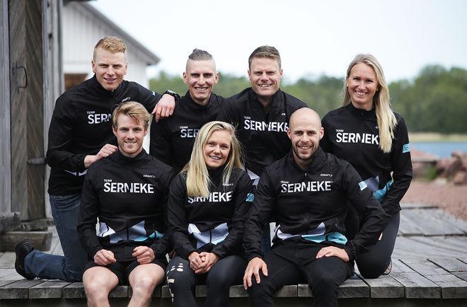 TEAM SERNEKE 2019/2020, bak fr: Anders Mølmen Høst, Pontus Nordström, Jimmie Johsson och Magdalena Pajala. Fram fr v: Ludwig Tärning, Julia Angelsiöö och Bob Impola. Foto: JOHAN ORRE
