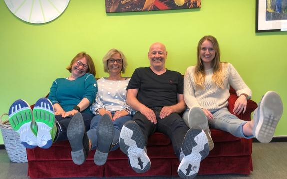 Midtveisvinnerne «Naverne», fra venstre: Hilde Kræmer Moe, Marte Feden Aasen, Egil Haugane og Kate Breber Friisk. Katja Bang var ikke tilstede da bildet ble tatt.