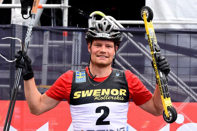 KARL-JOHAN WESTBERG kunde jubla över SM-guldet på rullskidor i Malmö. Foto/rights: ROLF ZETTERBERG/kekstock.com