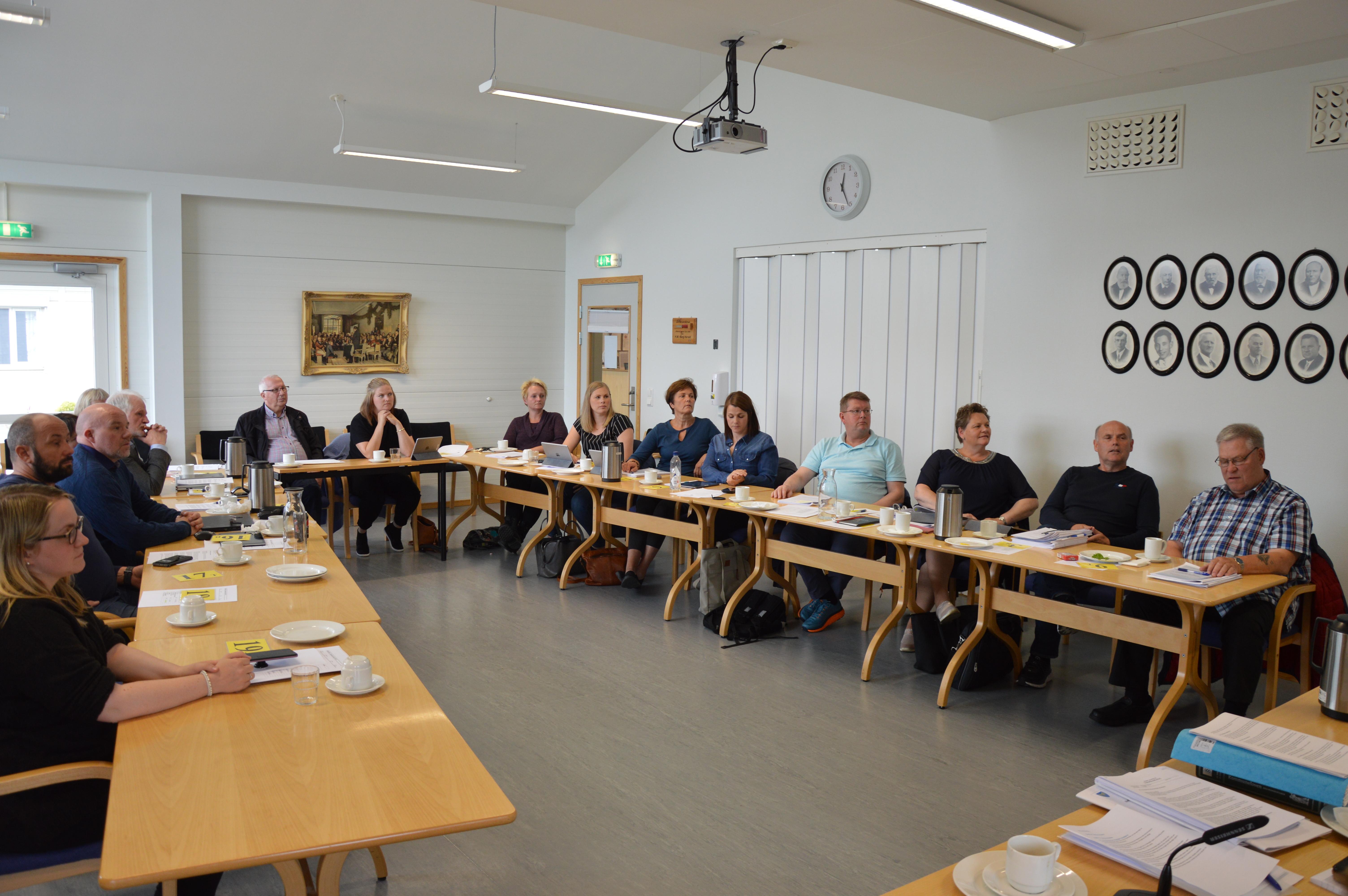 Kommunestyremøte 26