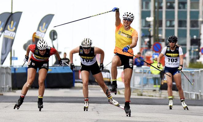 LINN SÖMSKAR kunde jubla för ännu ett SM-guld på rullskidor. Nu före Maria Nordström och Jackline Lockner. Foto/rights: ROLF ZETTERBERG/kekstock.com