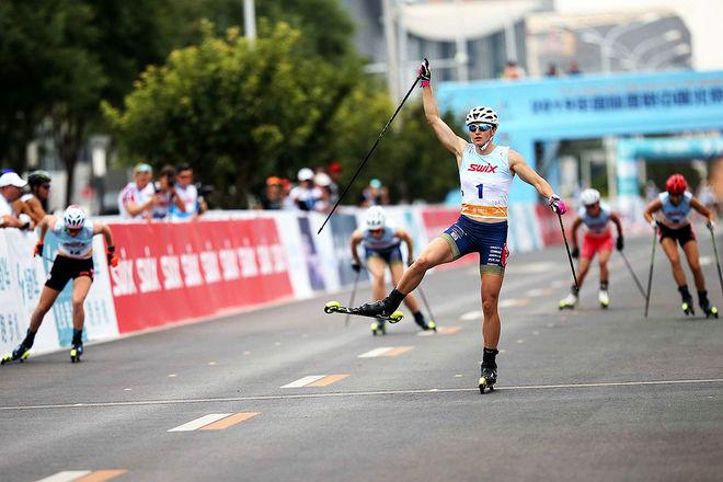 SEGER IGEN för Linn Sömskar som här tar hem finalen över 200 meter i Kina. Foto: FIS/BECCHIS