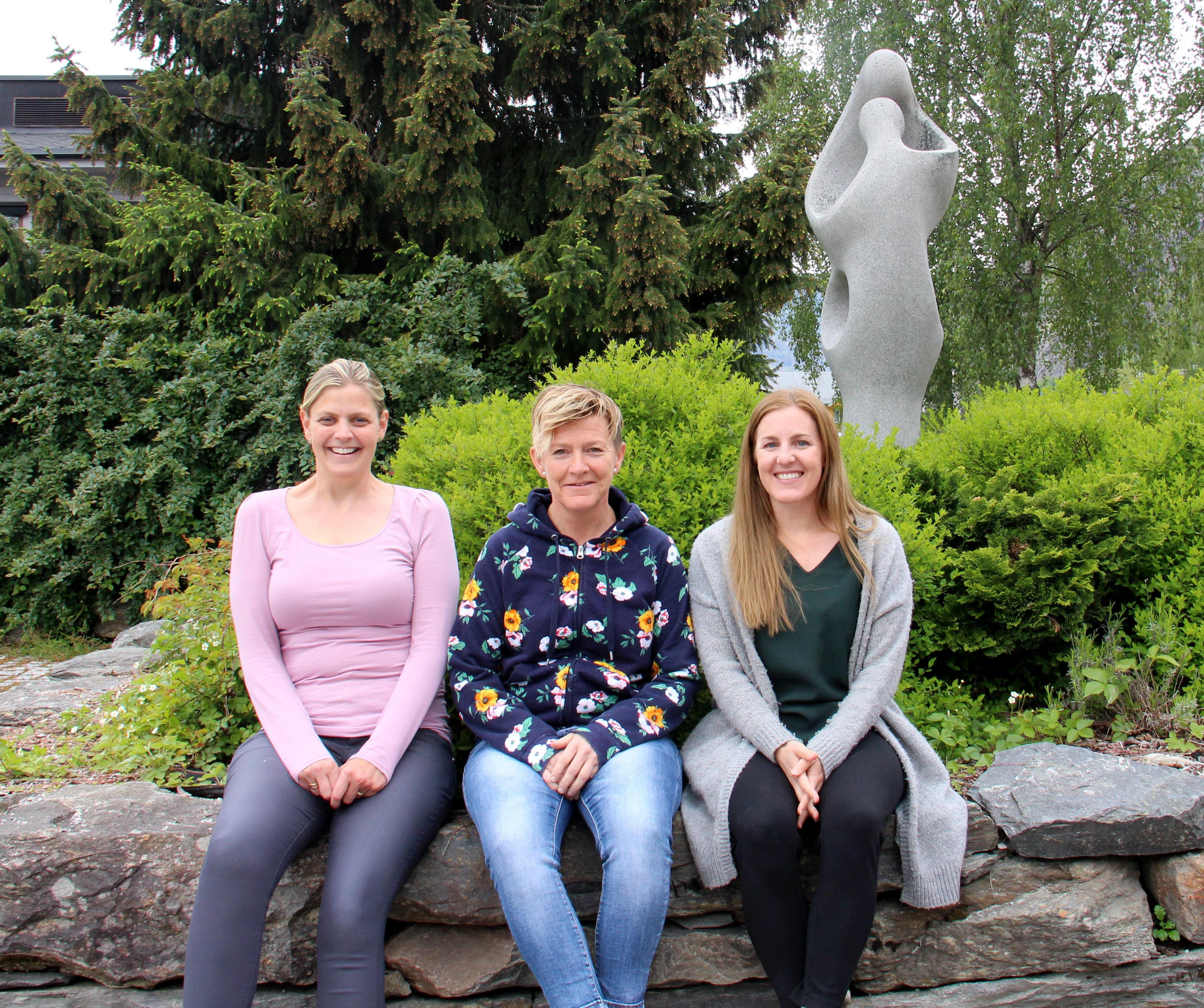 Elisabeth Bondevik Orrestad, Linda Goldmann og Trine-Anita Systad.JPG