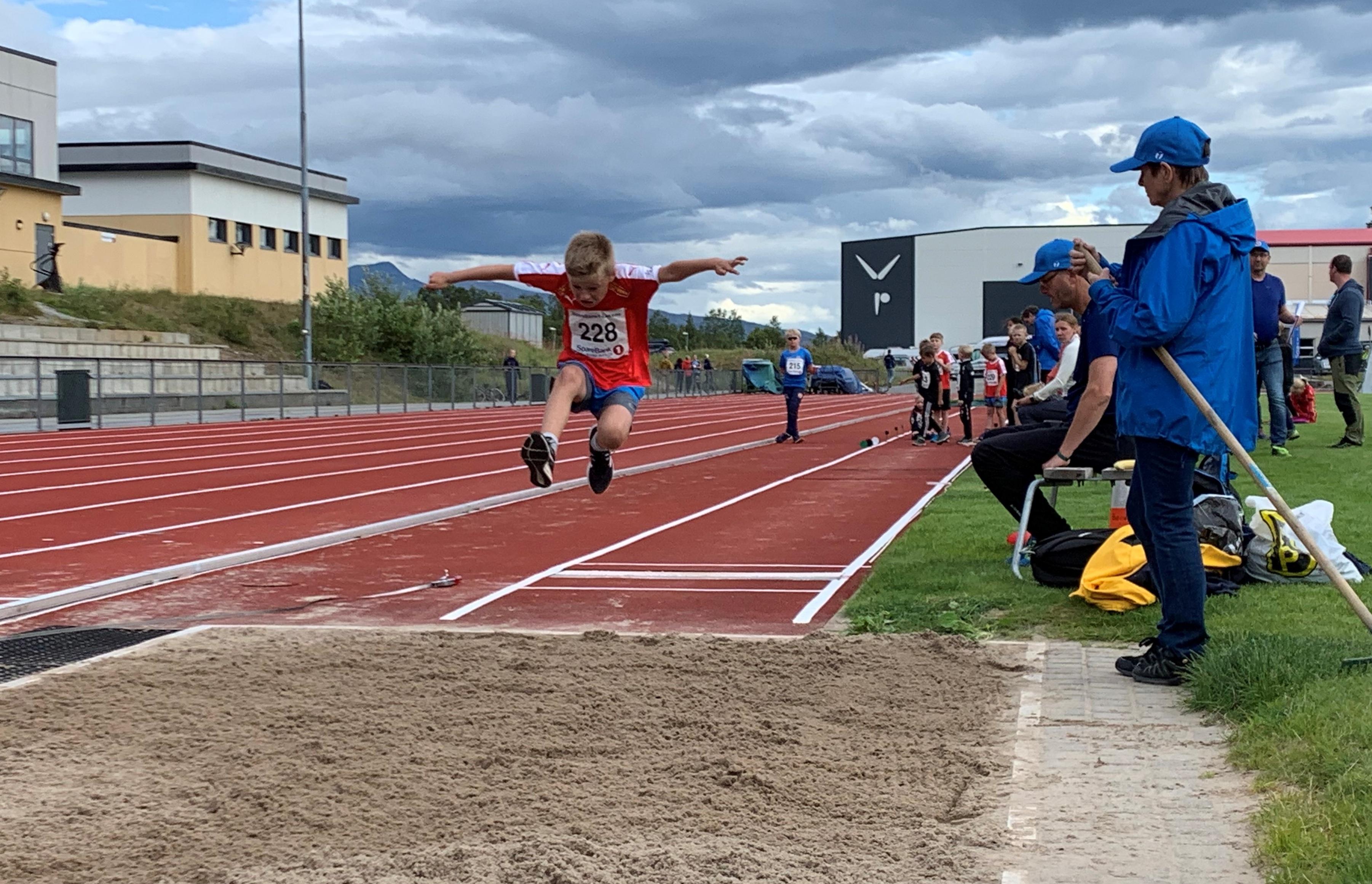 Johan Kilvær Nilssen hopper lengde