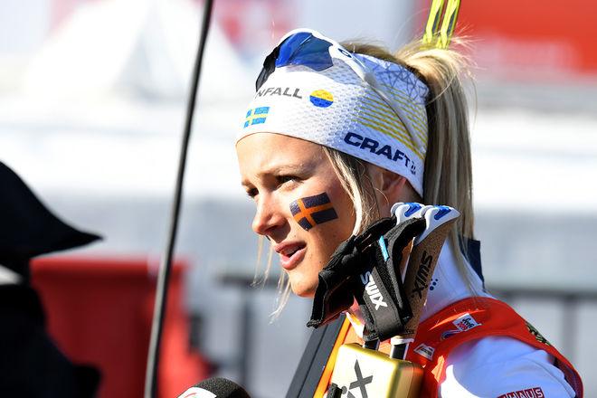 FRIDA KARLSSON visade klass i den avslutande jaktstarten i Toppidrettsveka och var snabbast av alla. Men hon fick stryk i spurten av Maja Dahlqvist. Foto/rights: ROLF ZETTERBERG/kekstock.com