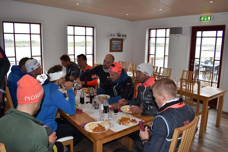 Team Ragde på Herøy_lunsj
