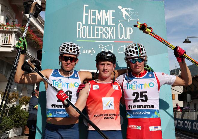 SVERIGE DOMINERADE herrarnas juniorklass. Johan Ekberg (mitten) vann före Truls Gisselman med norrmannen Amund Koersæth som trea. Foto: NEWSPOWER.IT