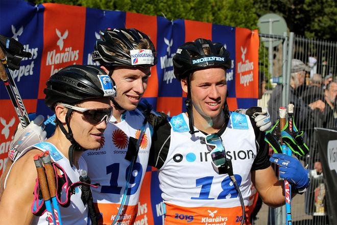 SKRÄLLSEGRAREN Stian Berg (mitten) med tvåan Emil Persson (höger) och trean Stian Hoelgaard. Foto/rights: KJELL-ERIK KRISTIANSEN/kekstock.com