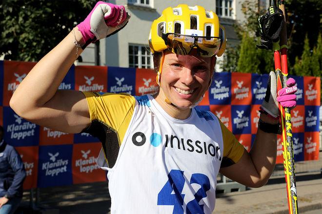 LINA KORSGREN, Team Ramudden hade 70.000 skäl att jubla efter sin seger i Klarälvsloppet mellan Uddeholm och Karlstad under söndagen. Foto/rights: KJELL-ERIK KRISTIANSEN/kekstock.com