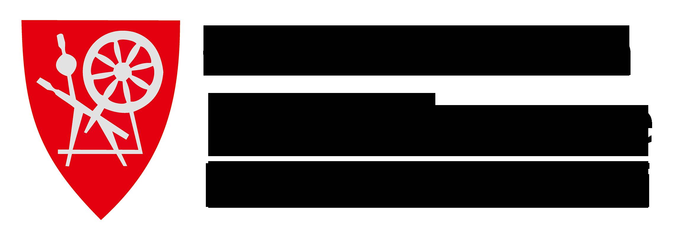 Kåfjord trespråklig logo små boksetaver sort skrift gjennomsiktig bakgrunn 2100px 300dpi_sRGB.png