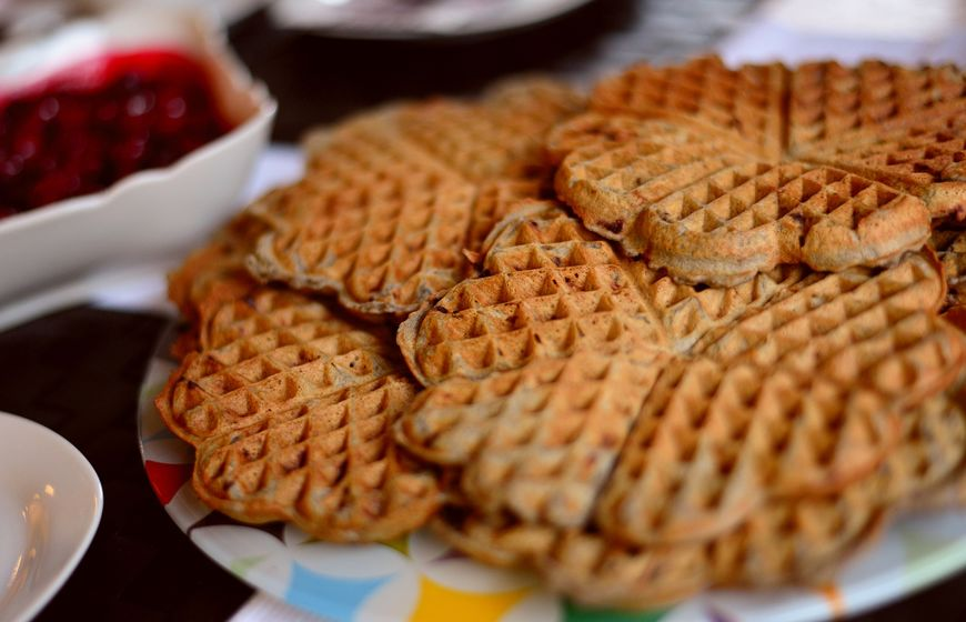 waffles-pastries-3843379_1920