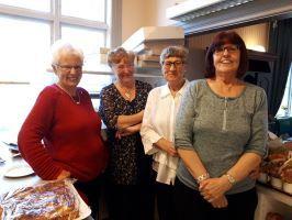 Glade medhjelpere på eldredagen