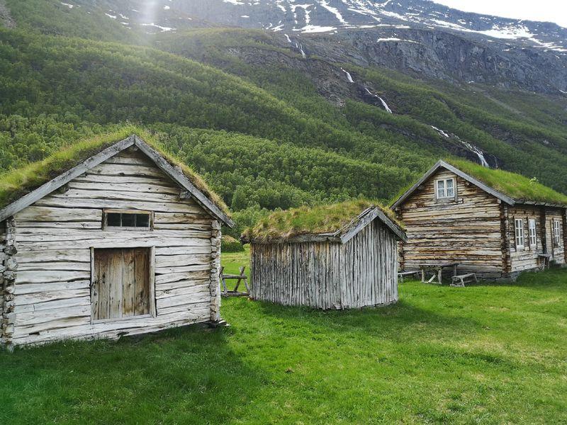 Holmenes sjøsamiske gård er et av Nord-Troms museum sine anlegg.
