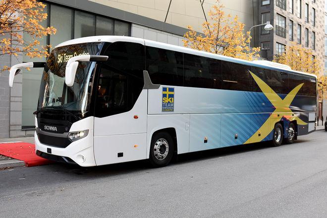 HÄR ÄR landslagets nya stolthet: En helt ny och specialgjord buss från Scania som skall ge komfort under säsongen. Alla foton: ROLF ZETTERBERG/kekstock.com