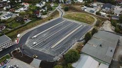 Midlertidig parkeringsplass ved Vestby vgs er nå åpnet