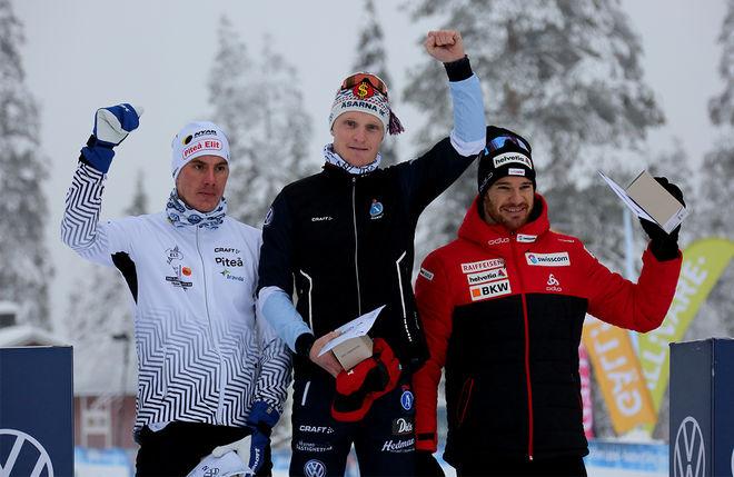 JENS BURMAN (mitten) jublar för seger före Johan Häggström (tv) och Dario Cologna. Foto/rights: KJELL-ERIK KRISTIANSEN/kekstock.com