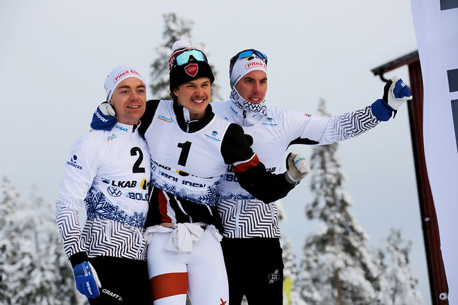 OLOF JONSSON (mitten) jublar över att stå längst uppe på pallen före Martin Bergström (tv) och Johan Häggström. Foto/rights: KJELL-ERIK KRISTIANSEN/kekstock.com