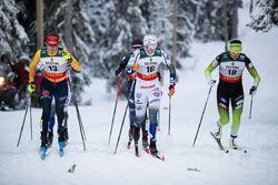 EMMA RIBOM (mitten) gjorde en fin insats och tog sig till semifinal. Här i kvartsfinalen mellan tyskan Laura Gimmler (tv) och slovenskan Katja Visnar (th) som vann heatet före Emma. Foto: NORDIC FOCUS