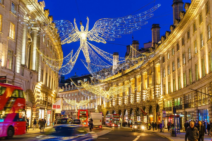 regent-street-christmas-holidays-london-uk-LONDONXMAS1118.jpg