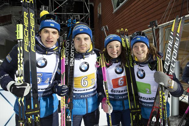 SVERIGE TREA i den mixade stafetten i Östersund, fr v: Martin Ponsiluoma, Jesper Nelin, Linn Persson och Mona Brorsson. Foto: NORDIC FOCUS