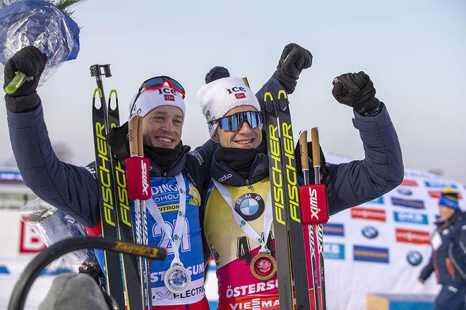 BRÖDERNA Tarjei (tv) och Johannes Thingnes Bö vann dubbelt i skidskyttesprinten i Östersund under söndagen. Foto: NORDIC FOCUS